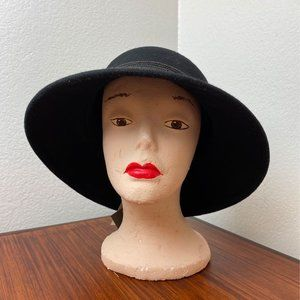 NWT Vince Camuto Black Wool Hat. One Size